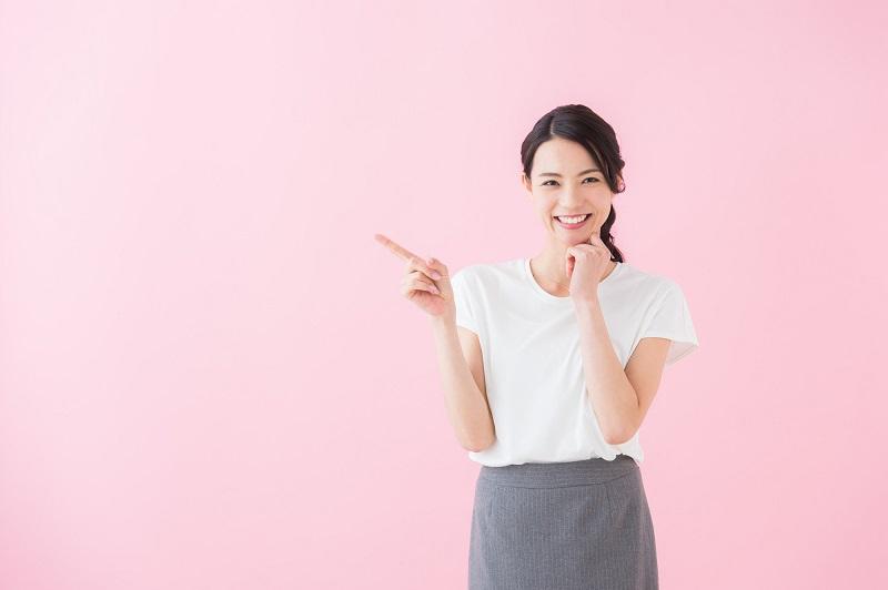 消費者金融 審査通過率-ポイントを教える女性